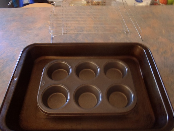 Baking tray, cooling rack and muffin tray