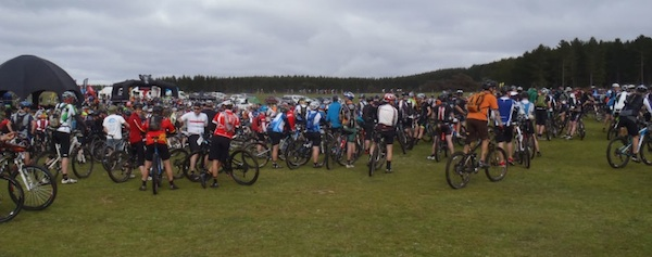 Mountain bikers waiting for the start of the race
